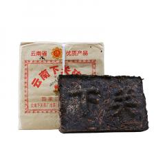 2004年下关 边销砖 生茶 250克/砖
