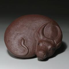 紫砂茶宠-紫泥卧牛【民间艺人作品】宜兴紫砂
